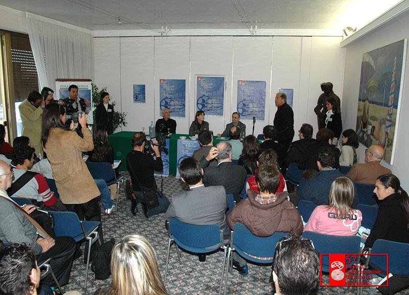conferenza-stampa-giovanna-Mezzogiorno