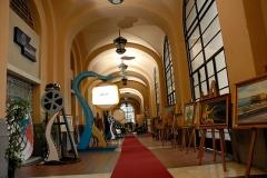 scenografia-augusteo-con-mostra-quadri