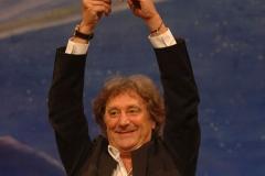Enzo-Iacchetti-con-premio